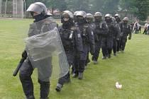 PRO KLADNO chybí čtrnáct policistů.