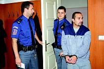Roman Gronzdar u klatovského soudu