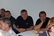 Setkání vítězů uplynulých devětadvaceti ročníků Rally Pačejov zorganizovali při příležitosti jubilejního třicátého ročníku  této automobilové soutěže její pačejovští pořadatelé v pátek odpoledne v Olšanech