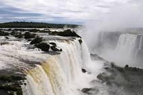 Šest tisíc mil Patagonií, Argentinou a Brazílií