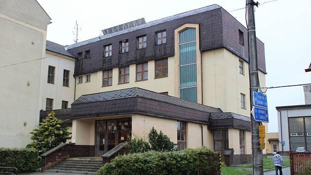 Základní škola v Plánici, kde došlo k incidentu mezi učitelem a hajlujícím žákem.