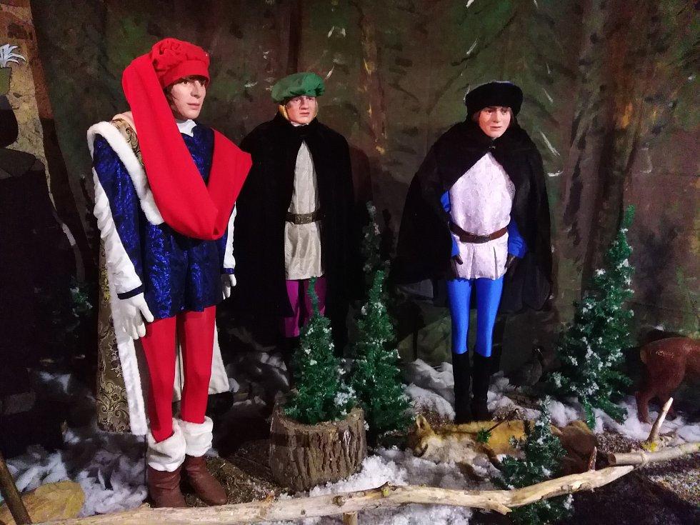 Výstava k pohádce Tři oříšky pro Popelku ve Švihově.