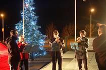 Rozsvícení vánočního stromu v Investtelu