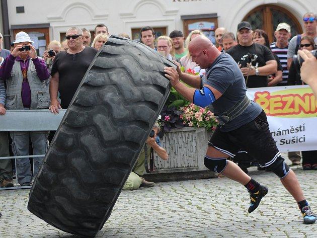 Závod strongmanů v Sušici.