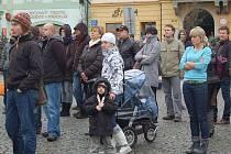 Pohřeb Václava Havla sledovali lidé i na klatovském náměstí