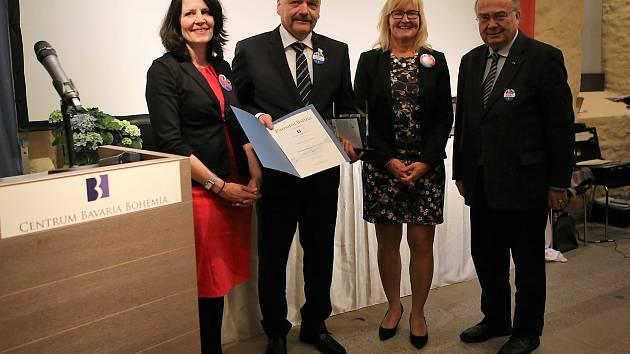 Předávání cen Brückenbaauer - Stavitel roku 2018, druhý zleva Michal Šnebergr