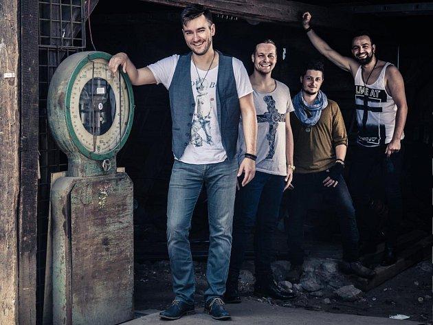 Marek Ztracený s kapelou.