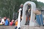 Odhalení sochy sv. Jana Nepomuckého v Čepicích