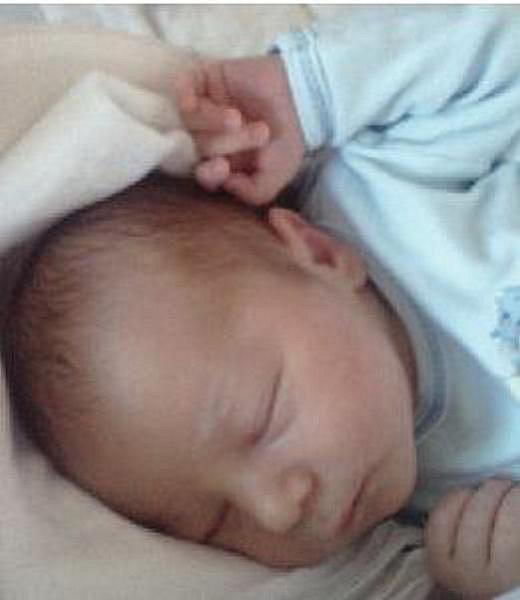 Tobiáš Lunda z Hrádku u Sušice se narodil ve FN v Plzni Lochotíně 23. července v 10.53 hodin. Vážil 3700 gramů a měřil 52 cm. Rodiče Juta a Jiří věděli dopředu, že budou mít chlapečka.