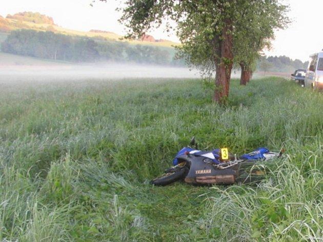 Dopravní nehoda motorkáře u Hoštiček