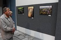 Výstava Pralesy Šumavy v kulturním domě v Klatovech.