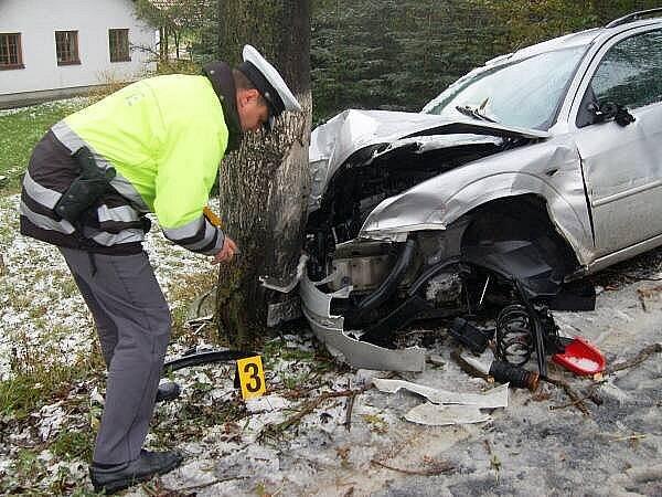 Nedělní nehoda u Kocourova komplikovala dopravu