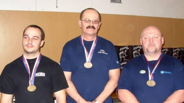 Tři reprezentanti Sokola Klatovy vybojovali na republikovém šampionátu v benčpressu tři medaile