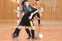 Zimní Dívčí amatérská fotbalová liga PS Křeč - Devils Dvorec 6:4.