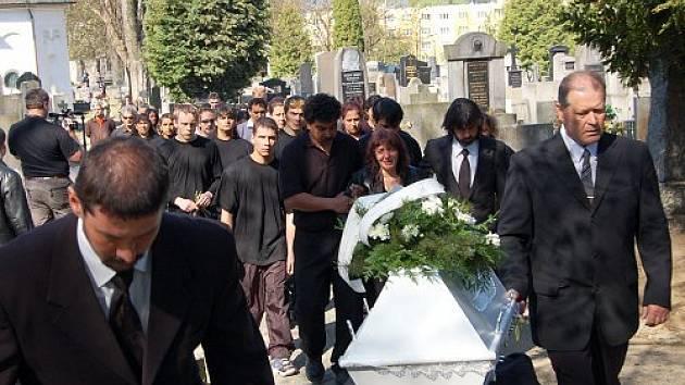 Pohřeb Romana Červeňáka.