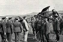 Dobový snímek z klatovského letiště