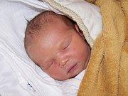Sofie Nyklesová z Nedanic (3840 g, 52 cm) se narodila v Klatovech 26. listopadu v 13.36 hodin. Rodiče Adriana a Václav si nechali pohlaví miminka jako překvapení na porodní sál, kde holčičku na svět přivítali společně. Ze sestřičky má radost i Dominika (3