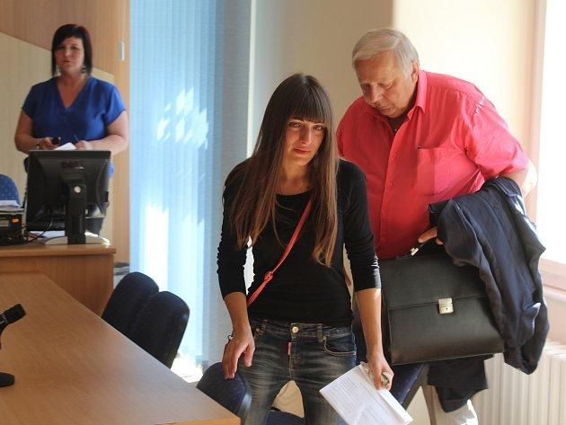 Ukrajinka Mariia Vasylenko (27) z Chanovic u klatovského soudu.
