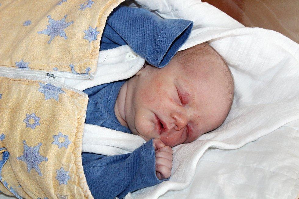 Stanislav Sedlák z Němčic se narodil v klatovské porodnici 8. července v 11:50 hodin (3450 g, 49 cm). Rodiče Pavlína a Stanislav se těšili na prvního společného syna, Jan (13) a Tereza (10) na brášku.