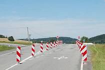 Zúžená silnice na Bukováku
