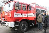 Švihovští hasiči dostali nové auto.