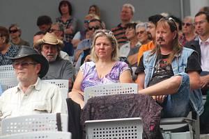 Vyznavači country hudby se sešli v sobotu v letním kině v Klatovech.