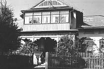 Dešenická pošta ve třicátých letech 20. století