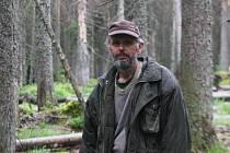 Lokalita Na Ztraceném u Modravy a její okolí, blokáda ekologických aktivistů, na snímku Mojmír Vlašín