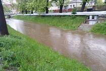 Drnový potok v Klatovech ve čtvrtek v podvečer.