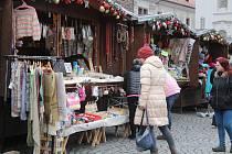 Adventní trhy o bronzové neděli v Klatovech.