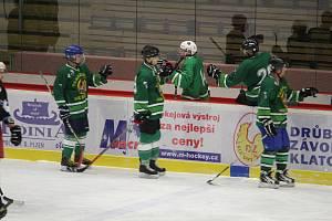 ŠUMAVSKÁ LIGA AMATÉRSKÉHO HOKEJE skončila. Vítězem se stal tým HC Vizi Auto, který nasbíral 28 bodů. Hokejisté HC Tomahakws (na archivním snímku) skončili předposlední.