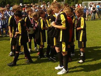 Na turnaj v Městečku Trnávka budou malí fotbalisté z Klatov dlouho vzpomínat – domů si přivezli zlato