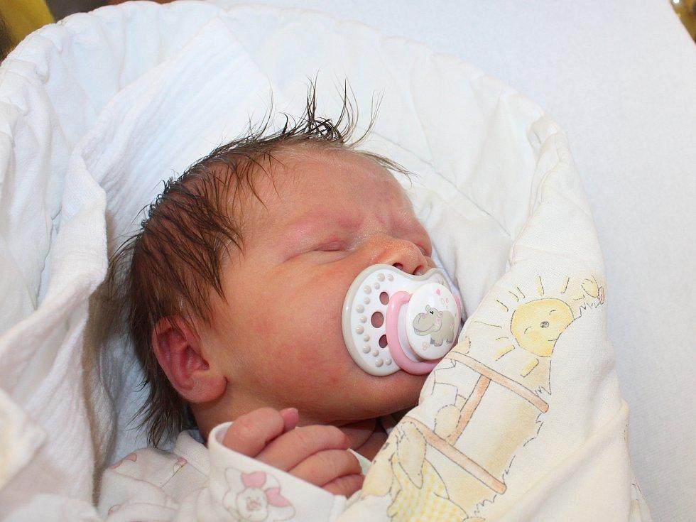 Jolana Rožánková zPlzně se narodila vklatovské porodnici 25. července ve 2:11 hodin (3850 g, 50 cm). Rodiče Veronika a Martin dopředu věděli, že Eliáškovi (2,5) přivezou domů malou sestřičku.