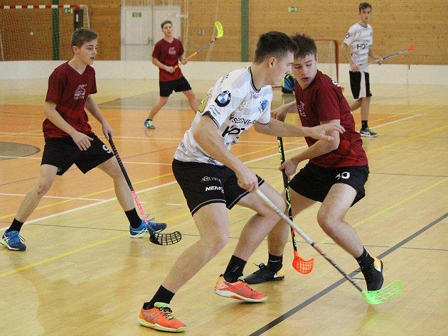 2. liga juniorů: Klatovy (červené dresy) - Karlovy Vary 7:6p