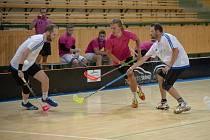 Klatovští a sušičtí florbalisté bojují na turnaji v Plzni.