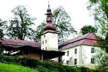 Věž zámku se v loňském roce zřítila.