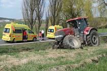 Nehoda traktoru mezi Horažďovicemi a Velkým Borem.