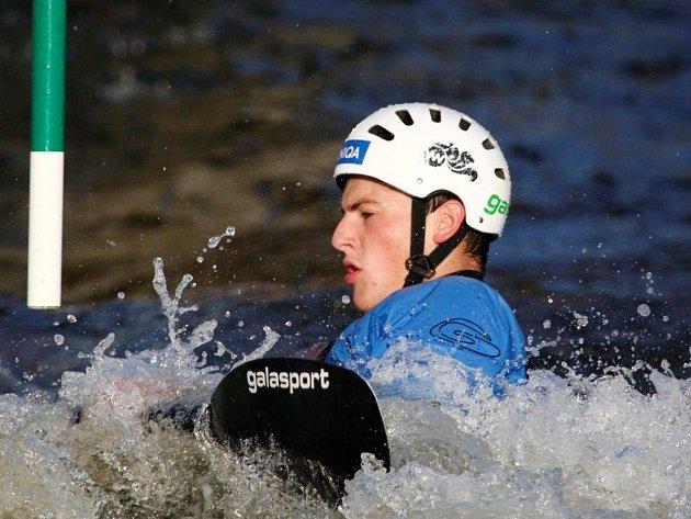 Nominační závody juniorů ve vodním slalomu ve Veltrusech: Vít Pohanka.