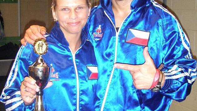 Alena Holá s trenérem Janem Landou.