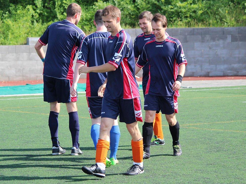 Kapitol liga 2018: Geroj Klatovy (tmavě modré dresy) - SK Chlistov