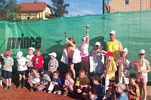 Na tenisových kurtech oddílu LTK TJ Klatovy se uskutečnil celostátní turnaj v minitenisu pro děti do 7 let.