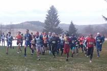 Klatovští atleti na mistrovství kraje v krosu v Plískově u Zbiroha.