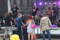 Kapely Strip Dolls a Chai v Klatovech.