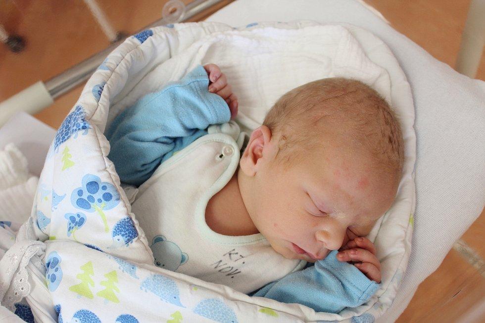 Jan Valeček z Nýrska se narodil v klatovské porodnici 1. července ve 23:53 hodin (3700 g, 49 cm). Na své prvorozené miminko se rodiče Anna a Jan moc těšili a dopředu věděli, že budou mít chlapečka.