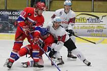 2. liga: SHC Klatovy (bílé dresy) - NED Hockey Nymburk 3:4p