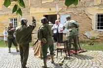 Američané na zámku v Chudenicích.