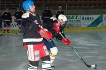V utkání domácího hokejového  klání  starých  gard podlehl tým Klatovy soupeři z Vimperku 4:6.