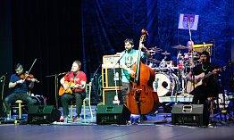 Skupiny Gingerhead a Wohnout v klatovském divadle.
