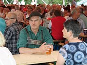 Festival dechovek v Dlouhé Vsi.