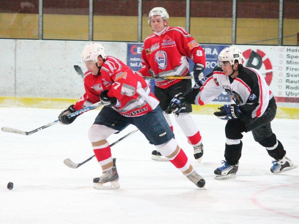 Plzeňská krajská liga HC Klatovy B - HC Chotíkov 3:5.